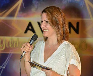Avon Yıldızları Ödülleriyle Taçlandırıldı.